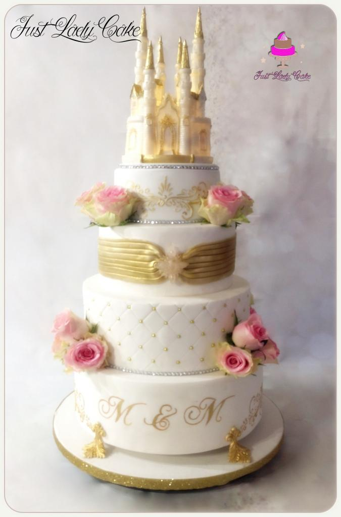 wedding cake chateau or et blanc